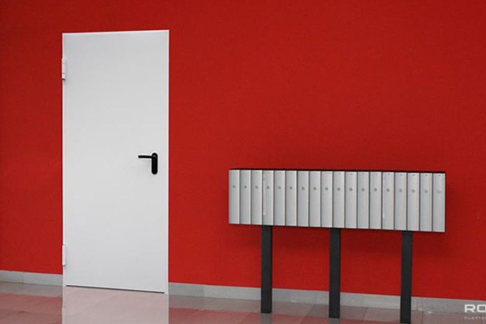 Puertas de paso antipánico de una o dos hojas, puertas cortafuego contra incendios