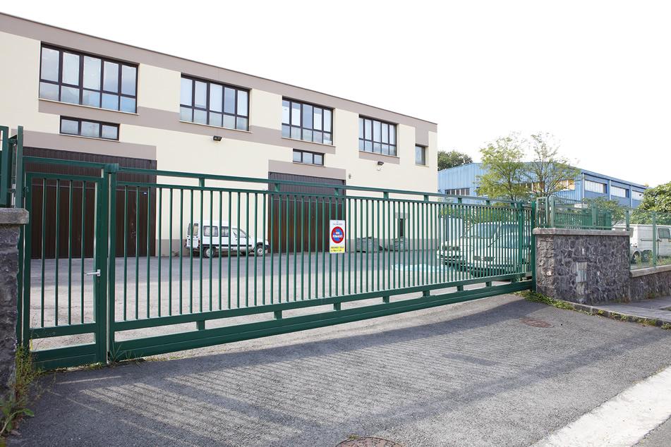 Puertas correderas industriales, robustas y a medida