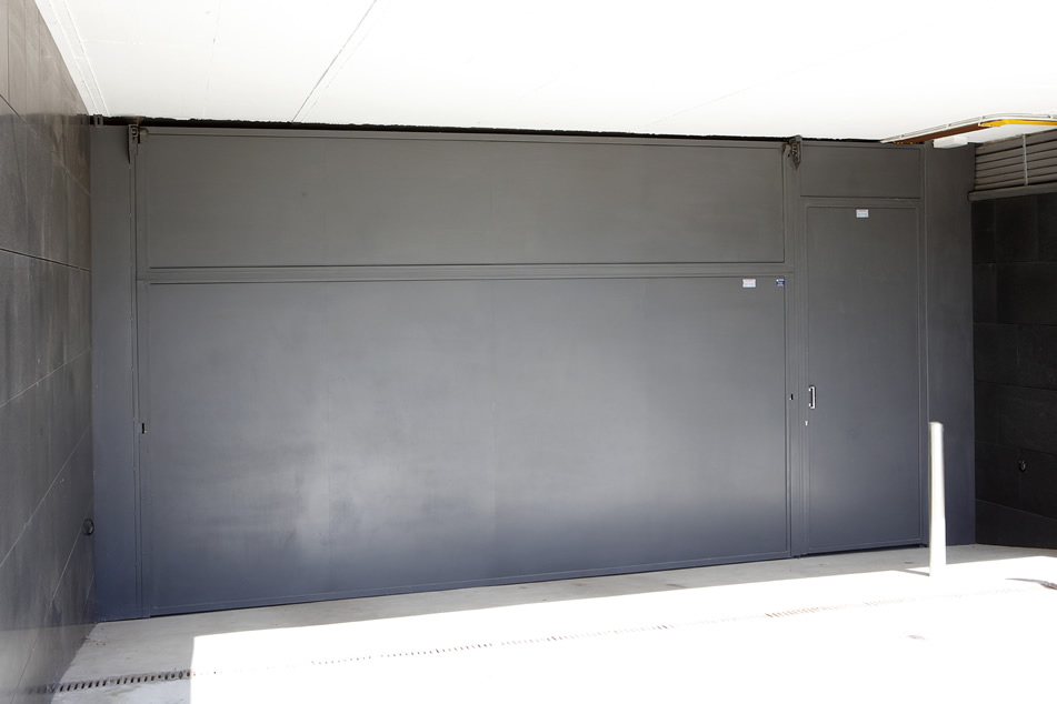 Puertas de garaje basculantes motorizadas