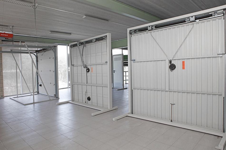 Neurrira egindako garaje-ate motorizatu automatikoak